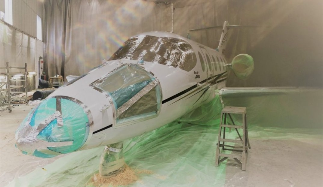 Repainting and repairing a Beechjet 400A