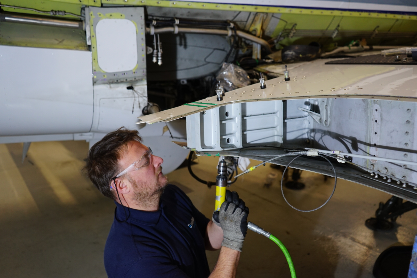 Interflight recruiting Phenom 300 Engineers